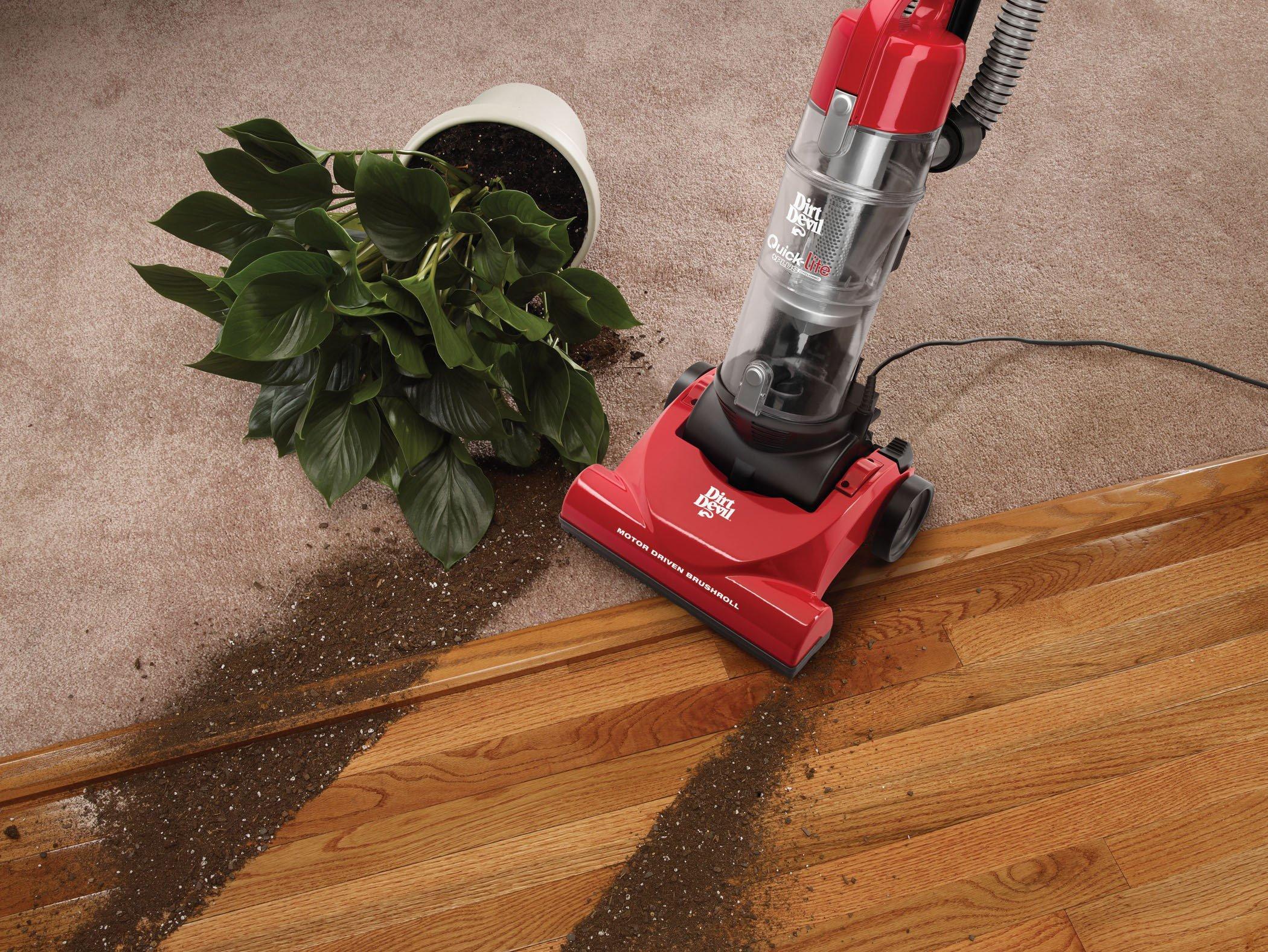 Quick-Lite Plus Cyclonic Upright Vacuum3