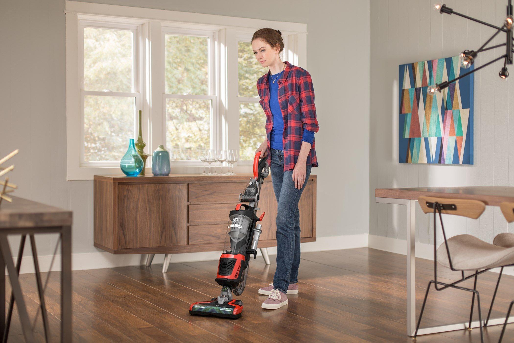 Razor Upright Vacuum5